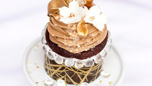 $900 Gold Cupcake